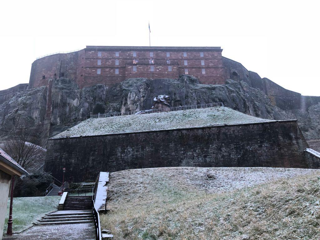 Fort in Belfort mit Löwe