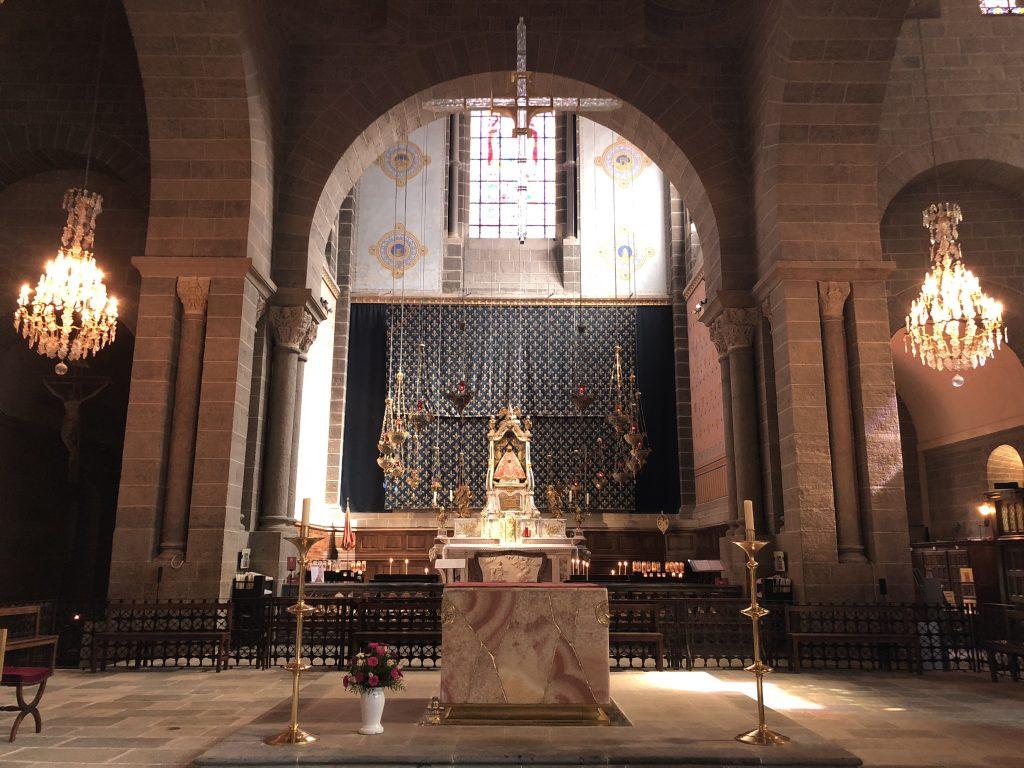 Altarraum der Kathedrale von Le Puy