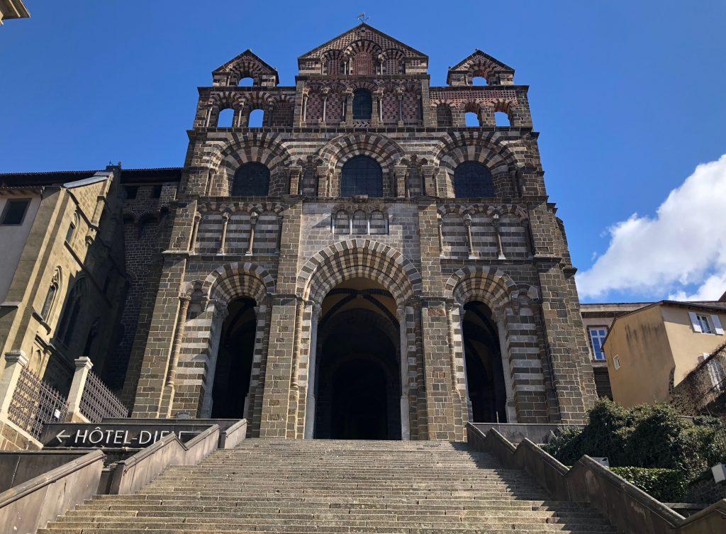 Westfassade der Kathedrale von Le Puy